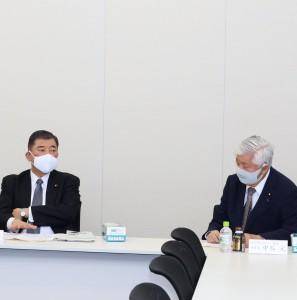 ちんたい議連執行部の石破会長、中谷幹事長